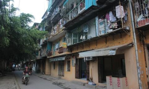 Vì sao nhà tập thể cũ nát Hà Nội giá ngang chung cư cao cấp?