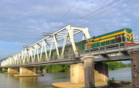 Xã hội hóa đầu tư để đổi mới đường sắt