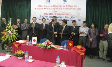 Đại học Xây dựng Hà Nội và TCty Thép JFE Nhật Bản ký kết hợp tác
