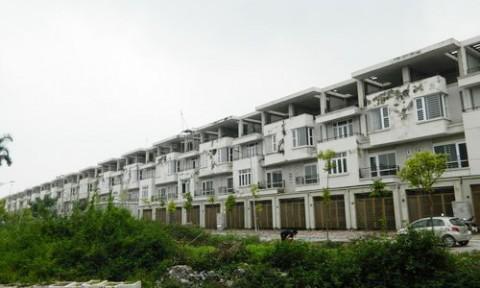 Biệt thự bỏ hoang tại Hà Nội: Trách nhiệm thuộc về ai?