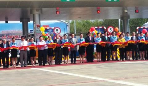 Thủ tướng phát lệnh thông xe cao tốc TPHCM – Long Thành – Dầu Giây