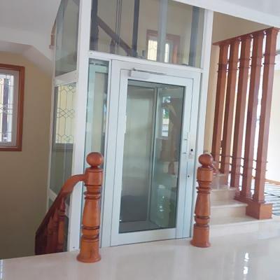 Lắp thang máy trong lòng thang bộ cho nhà cải tạo (Ảnh công trình tại TPHCM)