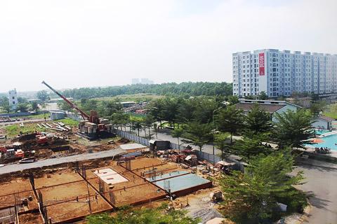 Sở Xây dựng TPHCM từng khảo sát và thống kê đến 16 vấn đề bất cập,  vướng mắc cơ bản liên quan đến nhà chung cư trên địa bàn. Ảnh: HỒNG PHÚC