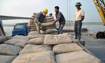 Có thời điểm khi giá thị trường khu vực tăng 4 USD một tấn, xi măng của Việt Nam chỉ tăng 1 USD