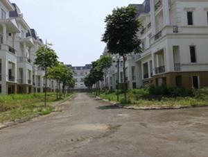 Tồn kho bất động sản giảm, giá nhà tăng, nhiều dự án ế ẩm…