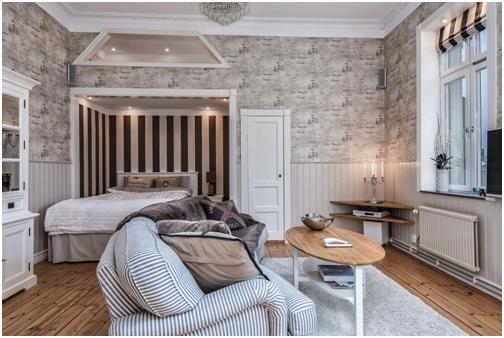 Một cách tiết kiệm không gian thông minh hơn đó là đặt giường ngủ phía trên nơi đặt sofa, bằng cách này bạn sẽ tiết kiệm được nhiều không gian.