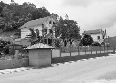 Xử lý nghiêm tình trạng lấn chiếm đường vào đền Kiếp Bạc