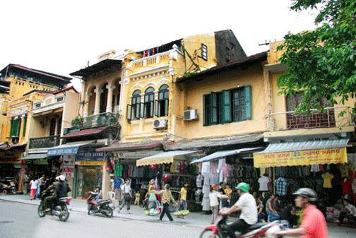 Phố Hàng Đào (Hà Nội) là tuyến phố có mức giá tăng 2 lần so với giá đất năm 2014. Ảnh: Thái Hiền