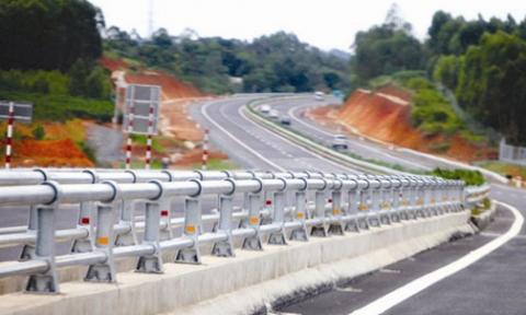 Để phát triển hiệu quả hệ thống đường cao tốc