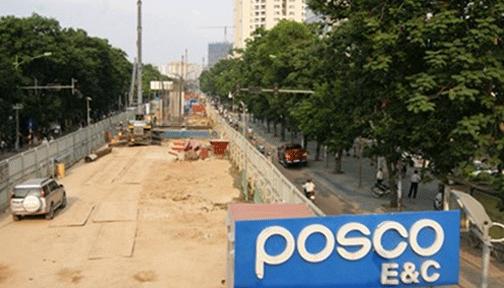 """Nhà thầu Posco E&C thi công tuyến metro Nhổn - Ga Hà Nội đang bị điều tra về nghi vấn lập """"quỹ đen"""" tại các dự án giao thông ở Việt Nam. Ảnh: L.H.V"""