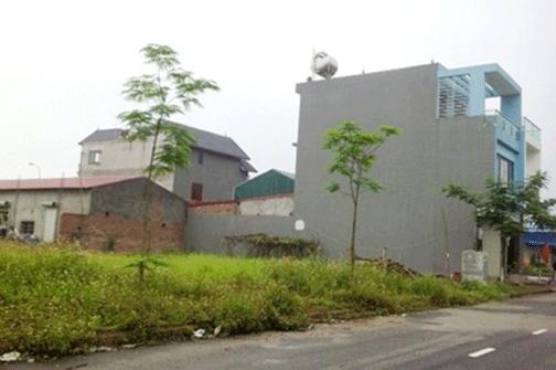 """Nhiều công trình xây dựng sai phép """"mọc"""" trên đất làng nghề tại xã Vân Hà."""