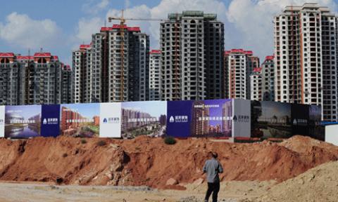 """Bong bóng bất động sản vỡ, Trung Quốc có thêm hàng loạt """"thành phố ma"""""""