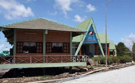 Đầu tư phát triển du lịch tại Mũi Cà Mau: Bao giờ hết cảnh 'đất lành' đìu hiu?