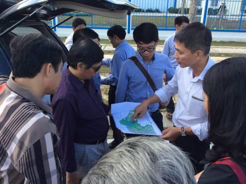 Ban điều phối VUF và đại diện các đô thị thành viên VUF đi khảo sát thực tế một số mô hình phát triển xanh ở TP Đà Nẵng.
