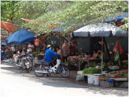 Sự tiện lợi của nhiều người khiến đô thị trở nên nhếch nhác. Ảnh: K.Phong