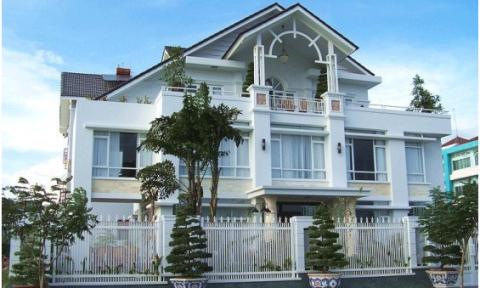 Thiết kế cửa chính hợp lý cho biệt thự