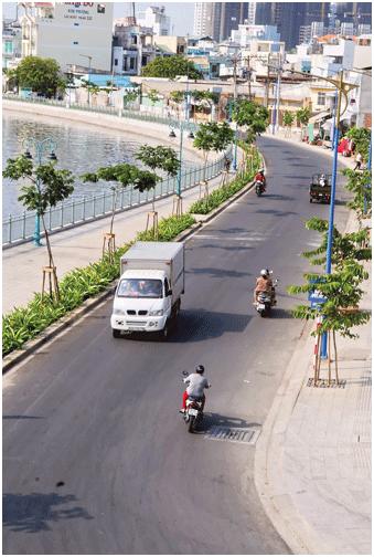 Đường Lò Gốm ven kênh Tân Hóa -Lò Gốm sau khi cải tạo. Ảnh: CAO THĂNG