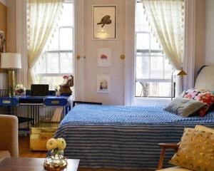 Điều làm chủ nhà thấy hứng thú nhất khi sống trong căn hộ 27 m2 là có thể nhìn thấy khung cảnh bên ngoài mỗi sáng thức dậy.