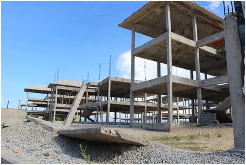 Công trình khu đô thị, nghỉ dưỡng Vincostec-Huế ở xã biển Thuận An xây dựng lên rồi bỏ phế suốt nhiều năm qua