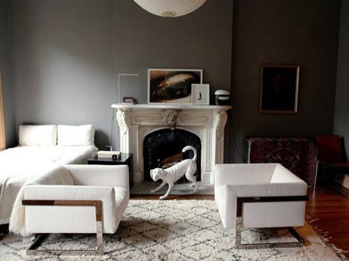 Chỉ với tông đen trắng ở các sắc độ khác nhau, chủ nhà này đem tới phong cách sang trọng cho căn hộ được xây từ lâu.