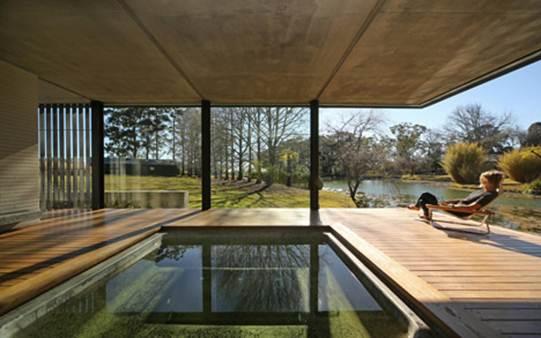 Căn nhà 72 m2 đi kèm với một sân bên ngoài rộng 36 m2 mang đến một không gian vui chơi, nghỉ dưỡng và giải trí hoàn hảo.
