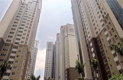 Một diễn biến khá lạ trên thị trường bất động sản Hà Nội thời gian qua khi phân khúc cao cấp vừa có giá tăng, lại vừa có giao dịch tăng mạnh hơn cả phân khúc căn hộ bình dân.