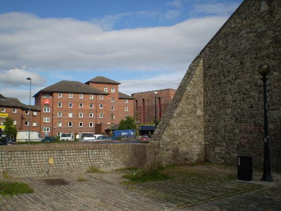 Khu Alberto Dock, thành phố Liverpool, Anh (nguồn: tripadvisor.com)