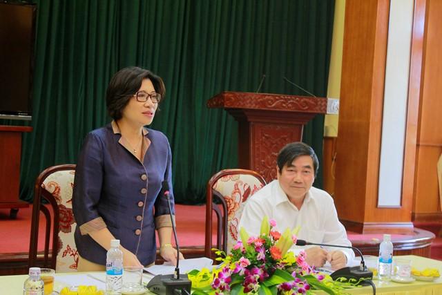 Thứ trưởng Phan Thị Mỹ Linh đánh giá cao những kết quả trong xây dựng NTM của tỉnh Hải Dương.