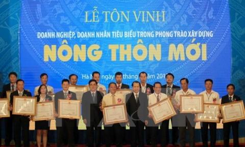 Tôn vinh 96 doanh nghiệp, doanh nhân tiêu biểu xây nông thôn mới