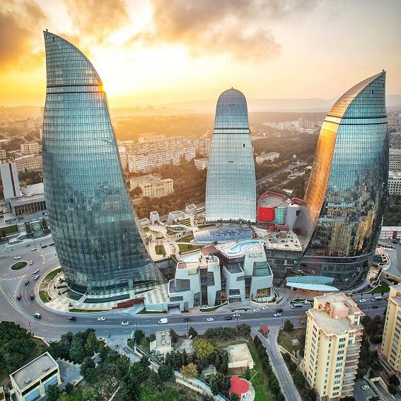 10694345 784400671601805 4978414631932521872 o Ngắm nhìn tháp chung cư Ngọn lửa Baku Flame Towers