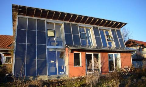 Thử nghiệm ngôi nhà hoạt động bằng năng lượng mặt trời