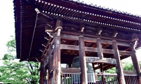 Tượng đài, đền chùa và vận mệnh quốc gia
