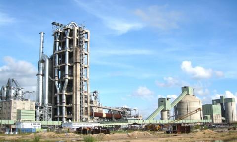 Giá bán xi măng nội địa ổn định, giá xuất khẩu giảm