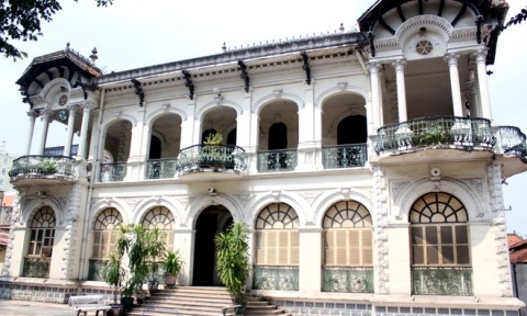 Biệt thự cổ 700 tỷ đồng, ba mặt tiền ở trung tâm Sài Gòn