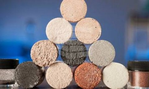Gạch hình thành từ cát và vi khuẩn sẽ được bán trên thị trường vào năm tới