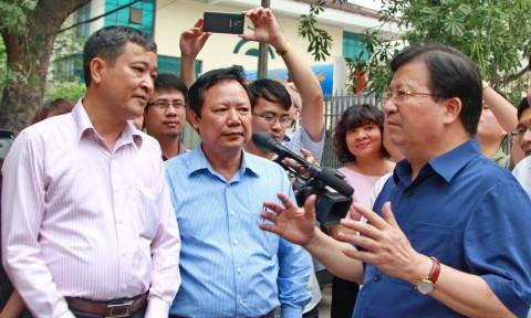 Phó Thủ tướng Trịnh Đình Dũng chia tay các Cục, Vụ Bộ Xây dựng