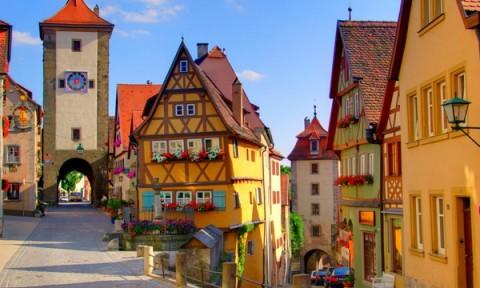 Những ngôi làng có thật trên thế giới mang đầy sắc màu cổ tích