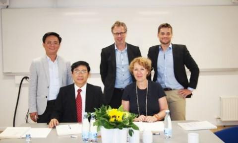 Hiệu trưởng Đại học Kiến trúc TP.Hồ Chí Minh thăm và làm việc tại Đại học UCN (Đan Mạch)