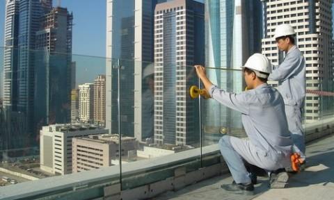 Sử dụng kính tiết kiệm trong các công trình xây dựng: Cần giải pháp đồng bộ