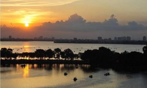 D'. Le Roi Soleil – Ngắm cảnh hồ Tây qua từng ô cửa sổ