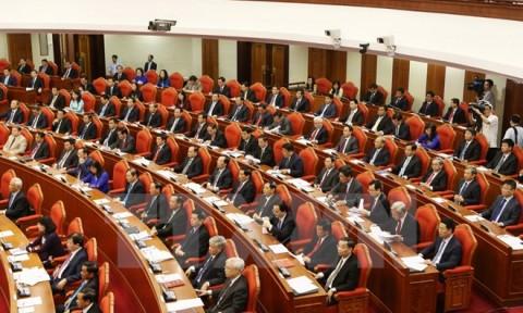 Ngày làm việc đầu tiên Hội nghị lần thứ ba Ban Chấp hành TW Đảng
