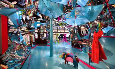 Hình thái không gian ảo trong nội thất cửa hàng thời trang
