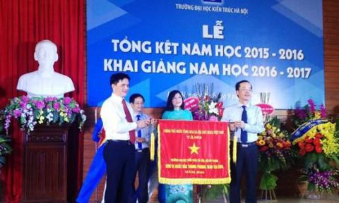 Đại học Kiến trúc Hà Nội khai giảng năm học mới
