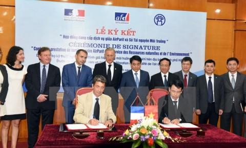 Pháp hỗ trợ 120.000 euro giúp Hà Nội quản lý môi trường không khí