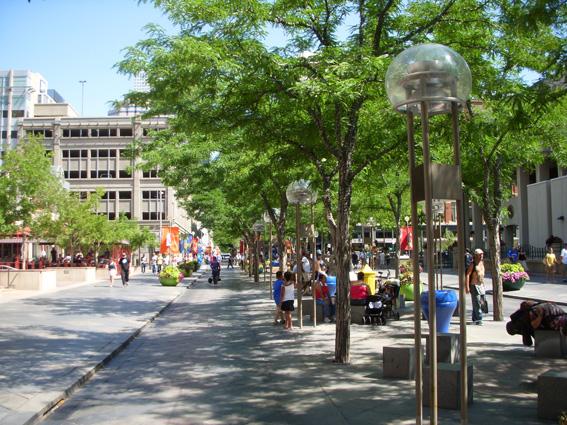 Phân chia chức năng trên hè phố ở TP Denver (Colorado, Hòa Kỳ)
