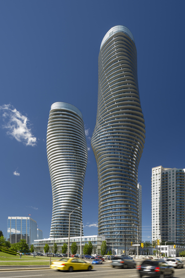 Tháp Absolute - Canada do MAD Architects thiết kế - Dấu ấn của công trình là đường cong biến đổi, gợi cảm với nhiều sự đa nghĩa