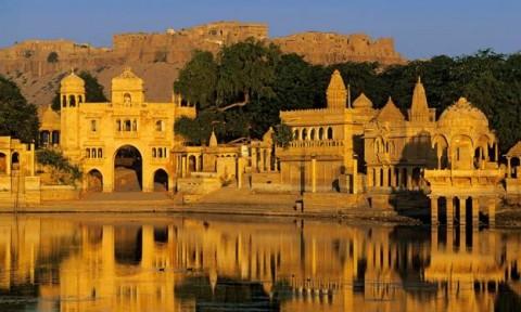 Kiệt tác kiến trúc Raj Mahal của Ấn Độ