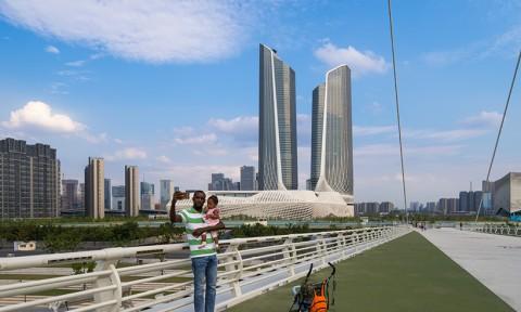 Zaha Hadid – Tòa nhà cực giống thiết bị router wifi