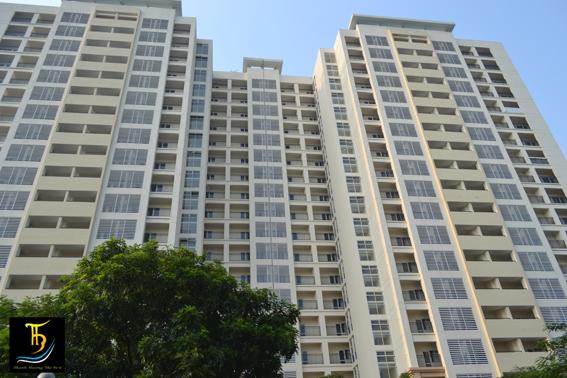 Hệ thống ban công lan can kính tại chung cư cao tầng Golden Westlake Hà Nội