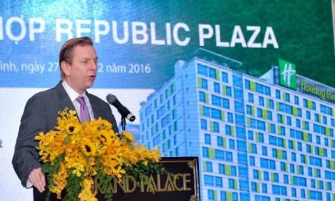 """Vì sao Republic Plaza được gọi là """"tuyệt tác bất động sản sân bay""""?"""